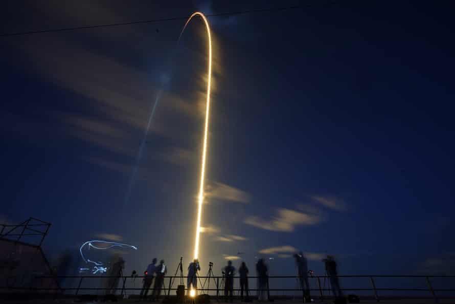 La fusée SpaceX Falcon 9 frappe le 15 septembre.