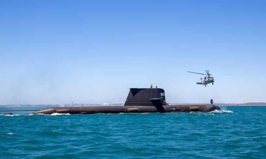 Dans le cadre de l'alliance militaire avec le Royaume-Uni et les États-Unis, l'Australie construira des sous-marins à propulsion nucléaire pour remplacer les subdivisions traditionnelles de la classe Collins telles que le HMAS Rankin.